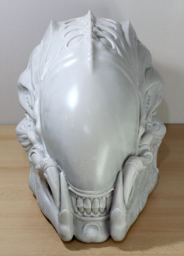 Predalien AVP Predator Alien Resin Model Lifesize Garage Kit Prop Replica Toy