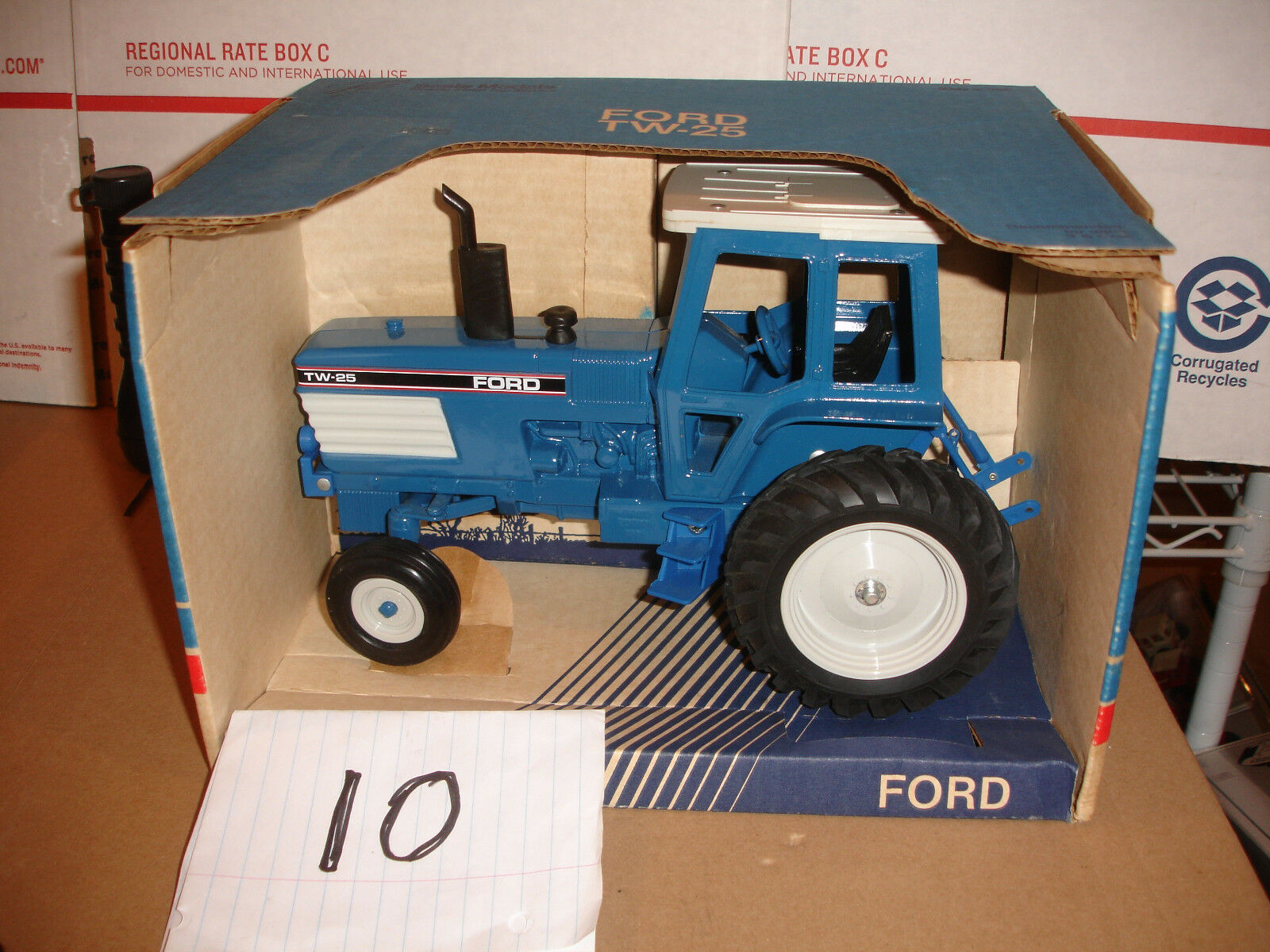 1 16 Ford TW 25 NEW IN BOX