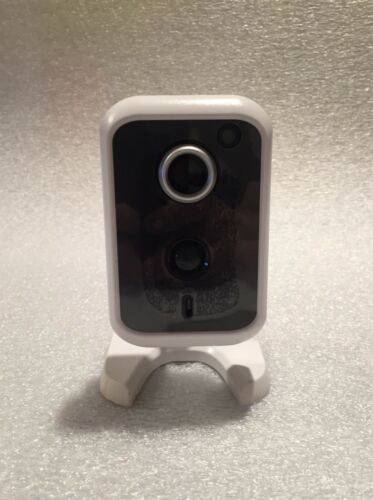 RC8221D Wireless HD Security Camera Indoor//Outdoor Night Vision Live Video View