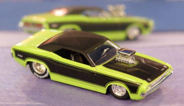 1970 70 Dodge Challenger Supercharged V-8 1/64 Jada Muscle Car Rubber Tires