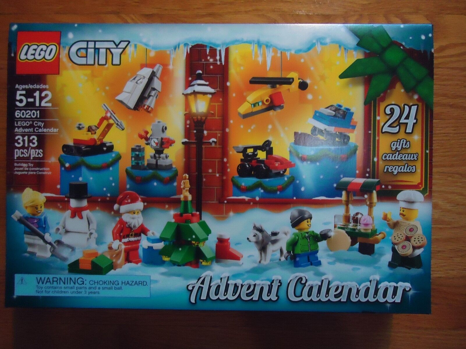 LEGO 2018 City Advent Calendar 60201 Factory Sealed *Free US Priority Shipping*