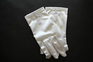 SNS605 Girls WHITE Satin First Communion Gloves with Pearl.