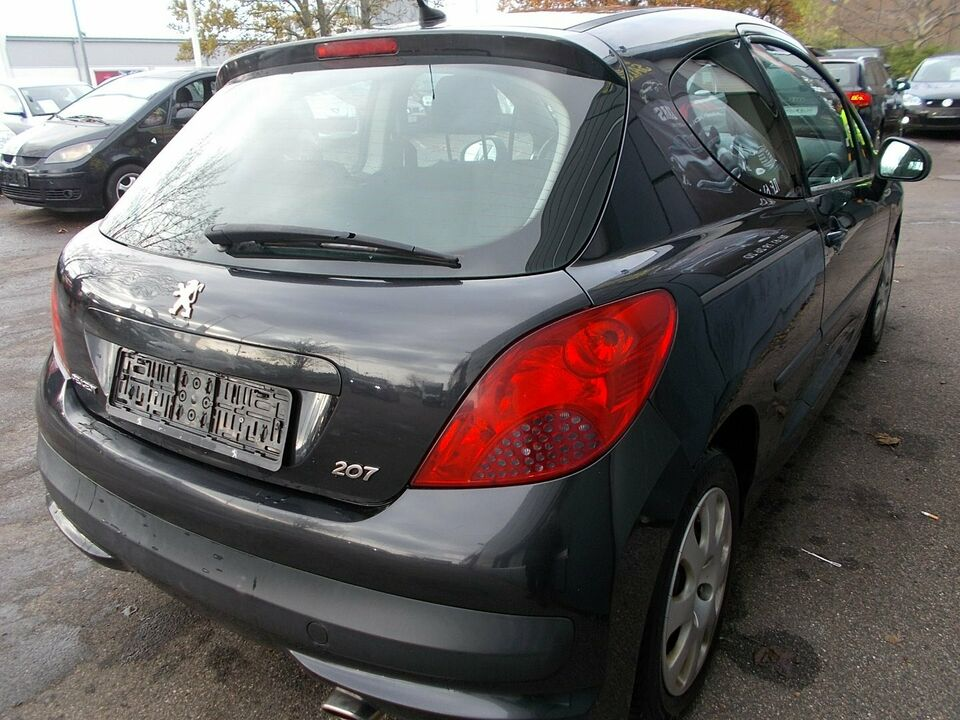 Peugeot 207 1,6 S16 Benzin modelår 2007 km 268000 Sort ABS