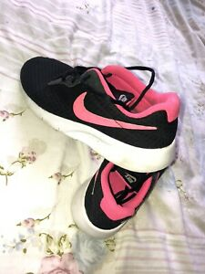 Ladies Nike Trainers Size 5 Pink Black