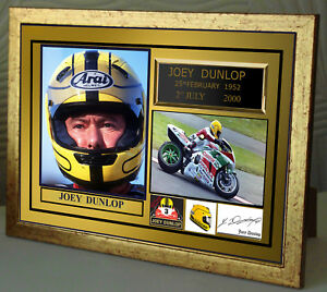 Joey-Dunlop-TT-Motor-Cycle-Framed-Canvas-Signed-034-Great-Gift-034