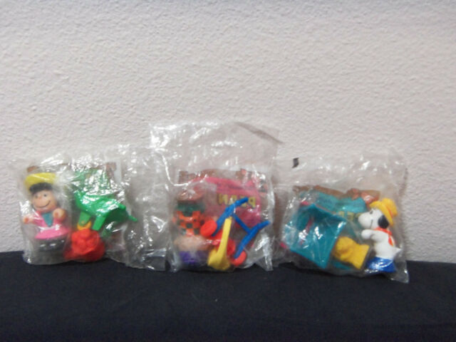McDonalds fast food lot of 3 MIP toys from 1989- Peanuts set- Lucy, Snoopy, Char
