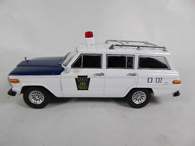 Ford Fairlane Police USA 1//43 Ist Voiture miniature Diecast Model PM01