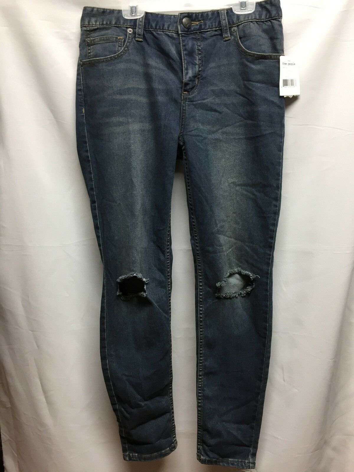 Free People Destroyed Skinny Jeans in Josie Wash OB435426 size 29