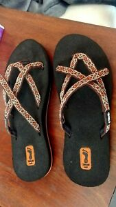 NEW!  Women's TEVA MUSH OLOWAHU Sandals, Brown and Rust, Shoe Size US 7 M