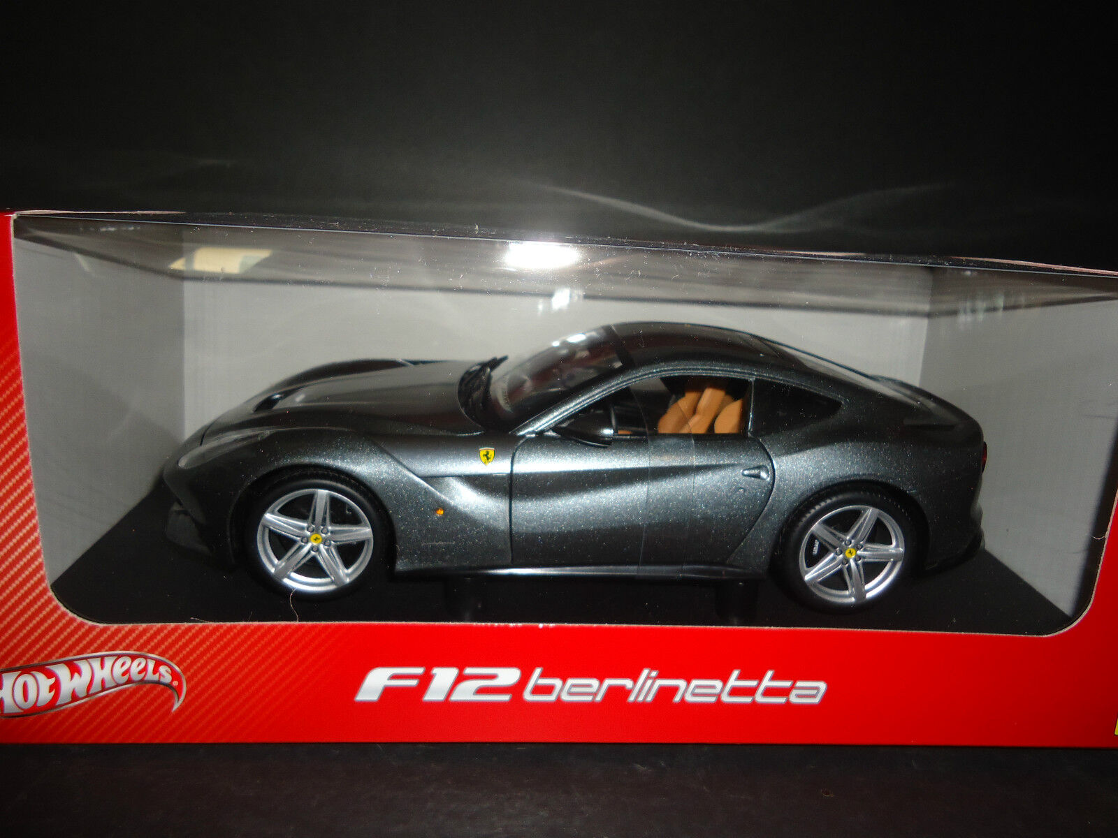 Hot Wheels Ferrari F12 Berlinetta Grey BCJ74 1 18