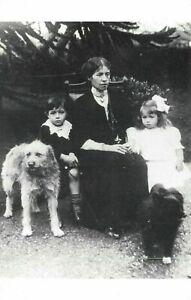 Postcard-Liner-S-S-Titanic-1912-survivors-the-Dean-Family-Bertram-Millvina-37V