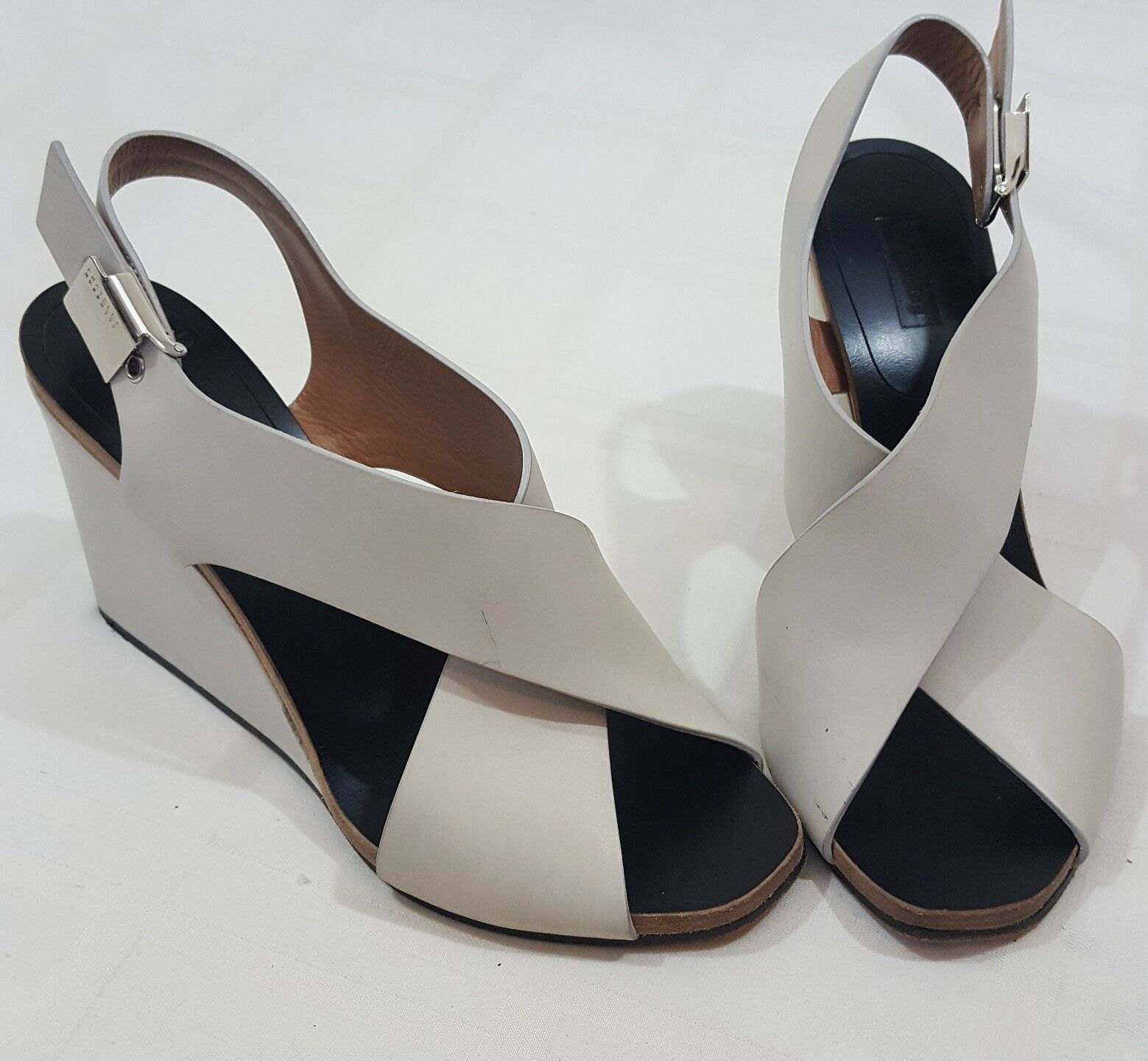 Fratelli pinktti Women's Leather White Beige Wedge Sligback Heel  Size 6