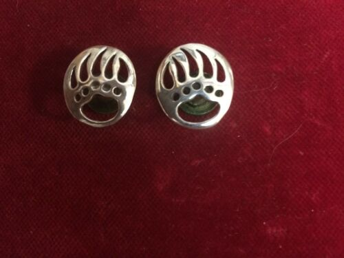Conchos Right /& Left flush mount Post and screw Pair of Sterling BEAR Paws