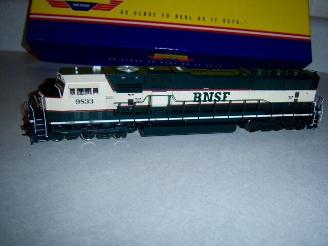 HO BNSF SD70MAC Athearn Genesis Burlington Northern Santa Fe # 9833 Nice!