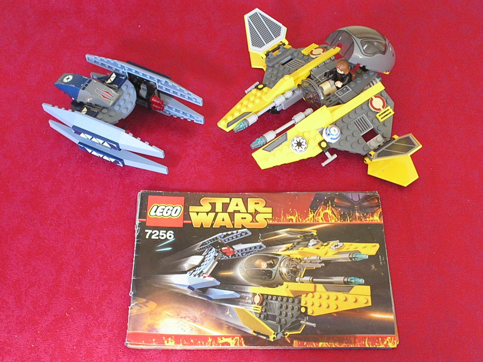 Complete Set LEGO Star Wars 7256 - Jedi Starfighter and Vulture Droid + Minifig