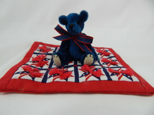 "World of Miniature Bears 2.5/"" Plush Bear with Quilt #Q4 Collectible Bear"