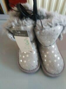 Primark girls grey boots UK size