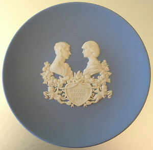 WEDGWOOD-PLATE-Blue-Jasperware-Commemorative-ROYAL-BIRTH-Quality-Used