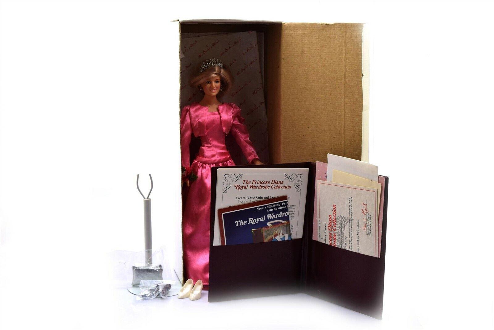 Danbury Mint Princesa Diana Royal Armario 14  Muñeca 6 trajes-Usado En Excelente Estado