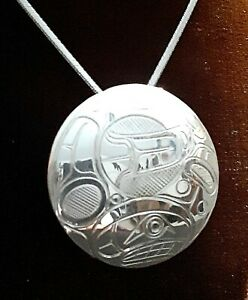 Sterling-silver-KILLER-WHALE-pendant-Northwest-Coast-First-Nations-signed