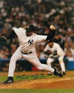 MIKE MYERS   NEW YORK YANKEES   ACTION SIGNED 8x10