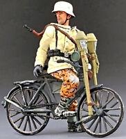 THOMAS GUNN WW2 GERMAN SS018A BIKE TANK HUNTER LOOKING BACK WINTER 1944 MIB