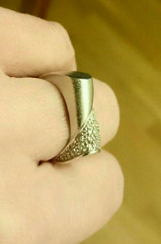 Fingerring, hvidguld, BRILLIANT OG HVIDGULD RING