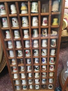 Revolving-Dome-Thimble-Display-case-Display-cases-with-60-and-24-thimbles