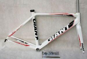 07cf0b13fdc NEW 2012 GIANT TCR ROAD FRAME SET M - 50cm COMPACT ROAD WHITE | eBay