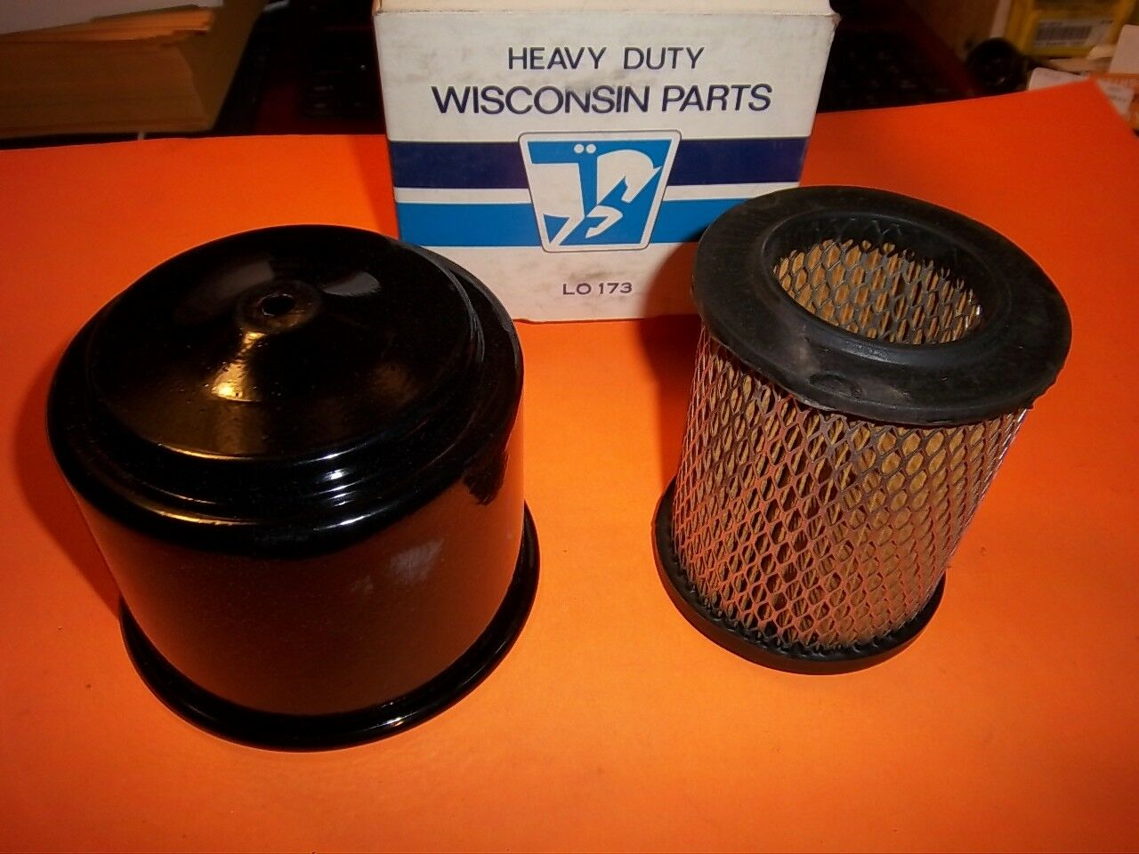 NEW WISCONSIN AIR FILTER & COVER LO173 W26