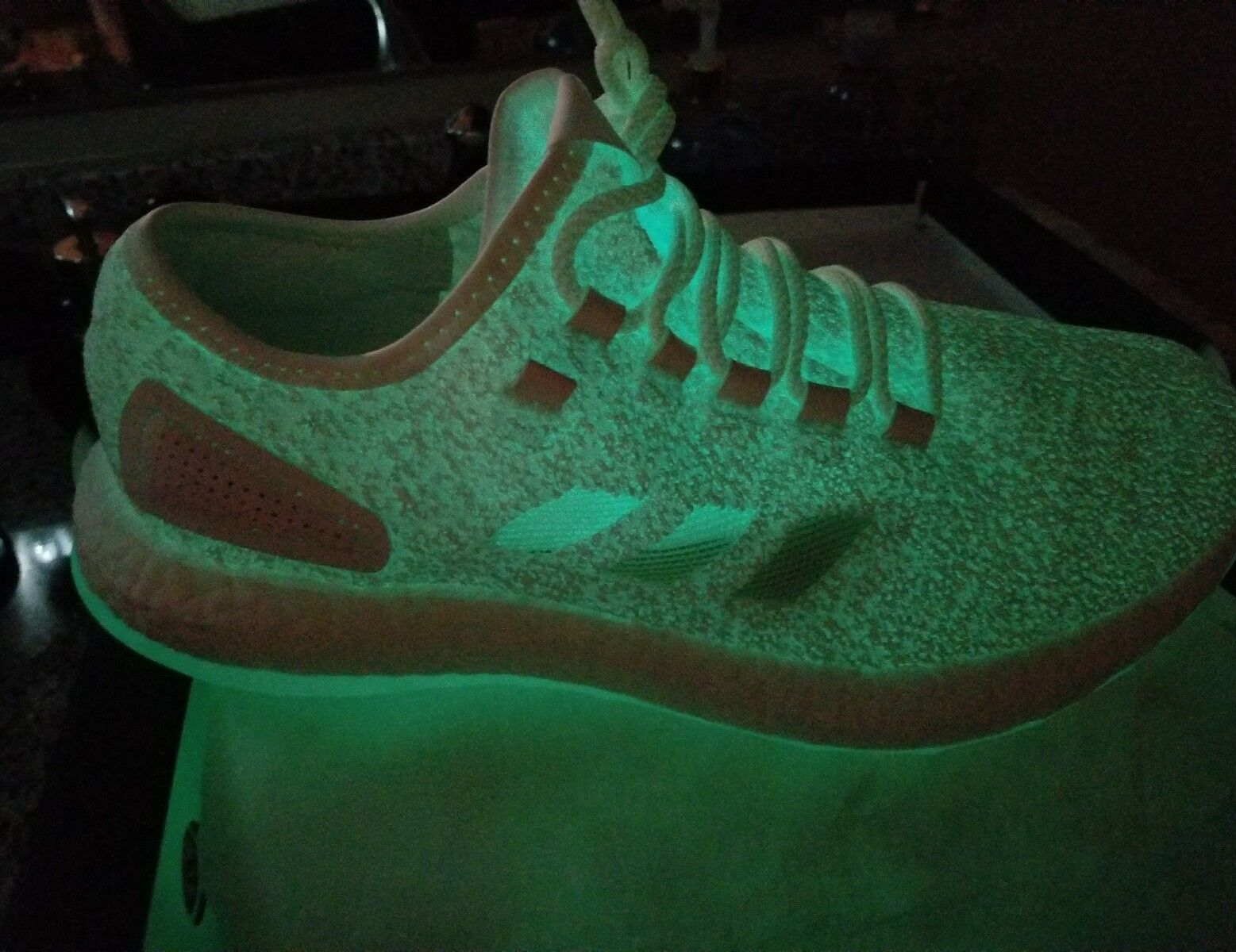 Adidas x Sneakerboy x Wish x Sneaker Exchange Pure Boost S.E. Glow in the Dark best-selling model of the brand