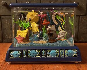 RARE! Disney Finding Nemo Aquarium Fish Tank Snow Globe Music Box. Tiny Bubbles