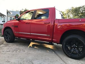 DODGE-RAM-09-18-CREW-CAB-CHROME-BODY-SIDE-MOLDING-STAINLESS-STEEL-TRIM