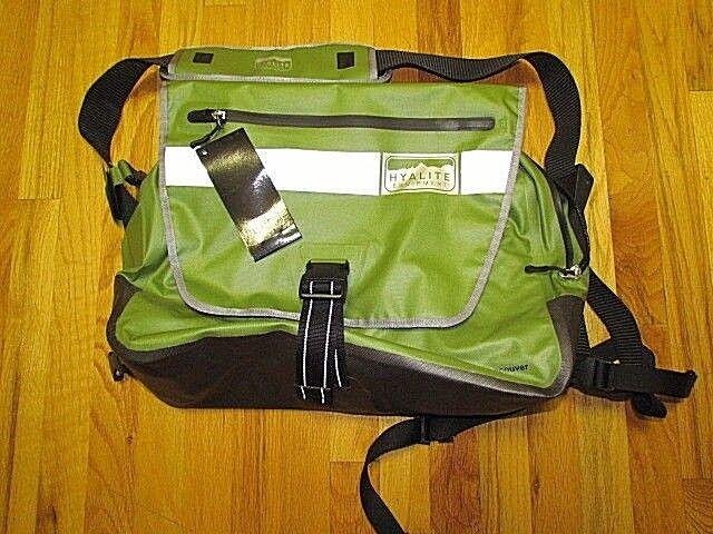 Hyalite Equipment  Vancouver   WaterProof Messenger Bag   Large