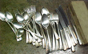Lot-of-Sincerity-Silverplate-silverware-eating-utensils-forks-spoons-knives