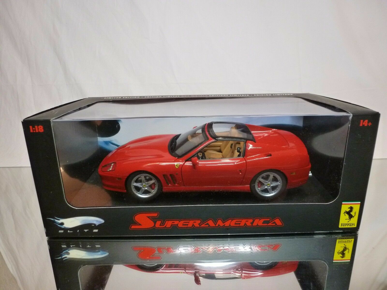 HOT WHEELS ELITE - FERRARI SUPERAMERICA - rouge 1 18 - EXCELLENT IN BOX