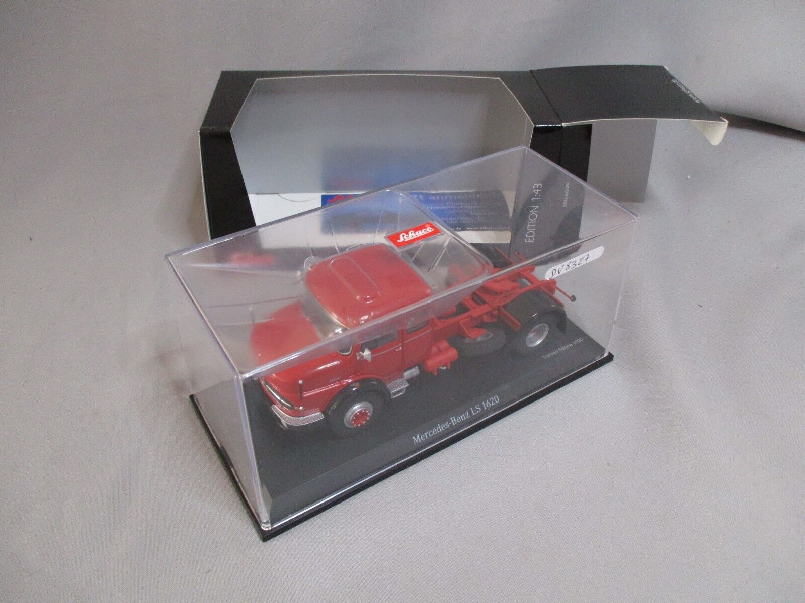DV8327 SCHUCO 1 43 MERCEDES BENZ LS LS LS 1620 rouge Ref 450359800 LIMITED 1000 PIECES 36d085