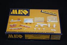 W543 MKD Train MaquetteHo 464 Amenagement coiffeur et boucherie diorama