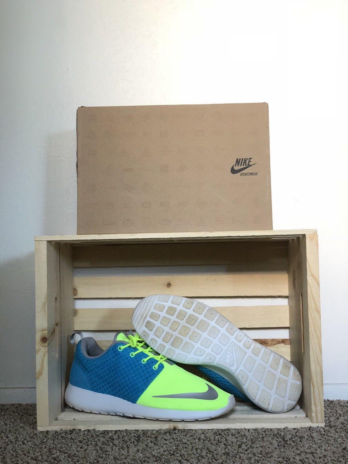"Nike Roshe Run FB ""Sprite"" 580573-401 Size 12 - Current bluee Chrome Volt"