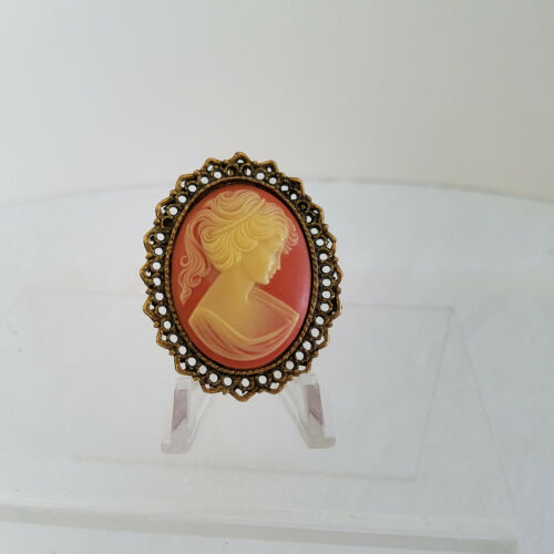 Large Vintage Cameo Lady Pin/Pendant Heavy Gold To