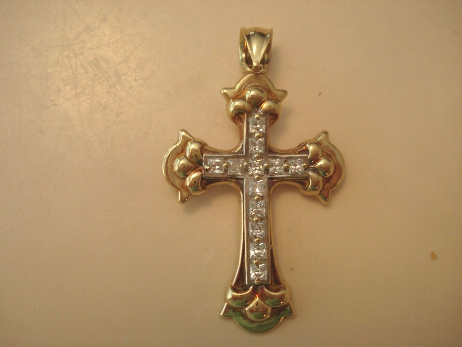 Ladies Large 10K (41.7%) Solid Yellow gold Cross- 1.75  Long X 1  Wide -2.8 Gram