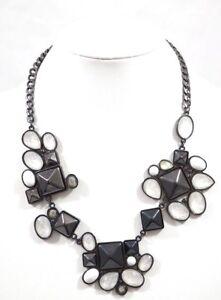 Avon-Mark-Modern-Art-Black-amp-White-Chunky-Style-Statement-Bib-Fashion-Necklace