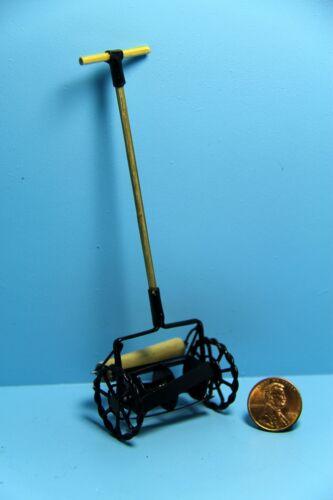 Mower G8633 Dollhouse Miniature Old Fashion Push Grass Cutter