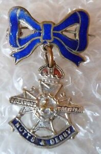 Badge-VINTAGE-Notts-and-Derby-Regiment-Sweetheart-BROOCH-Badge-Enamel-Org