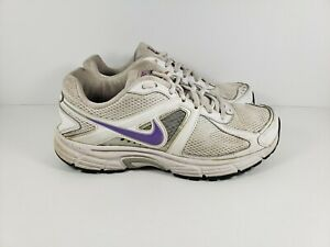 Cada semana raqueta Mayo  Nike Dart 9 Running Shoes 443863-101 Women's Size 7.5 White & Purple  883419842931 | eBay