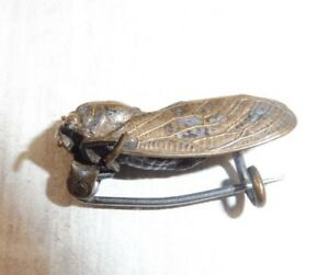 Ancienne-broche-abeille-en-metal-argente