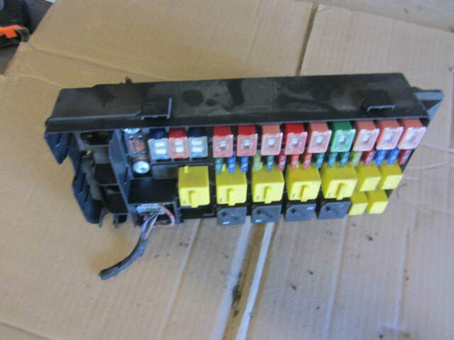 Land Rover Discovery 2 Fuse Box Location