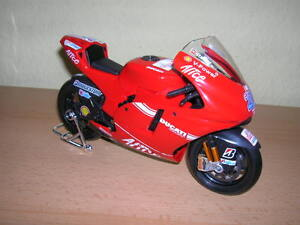 Alimentation Ducati Desmosedici Casey Stoner 2009, 01h10 N ° 27 Motogp Moto
