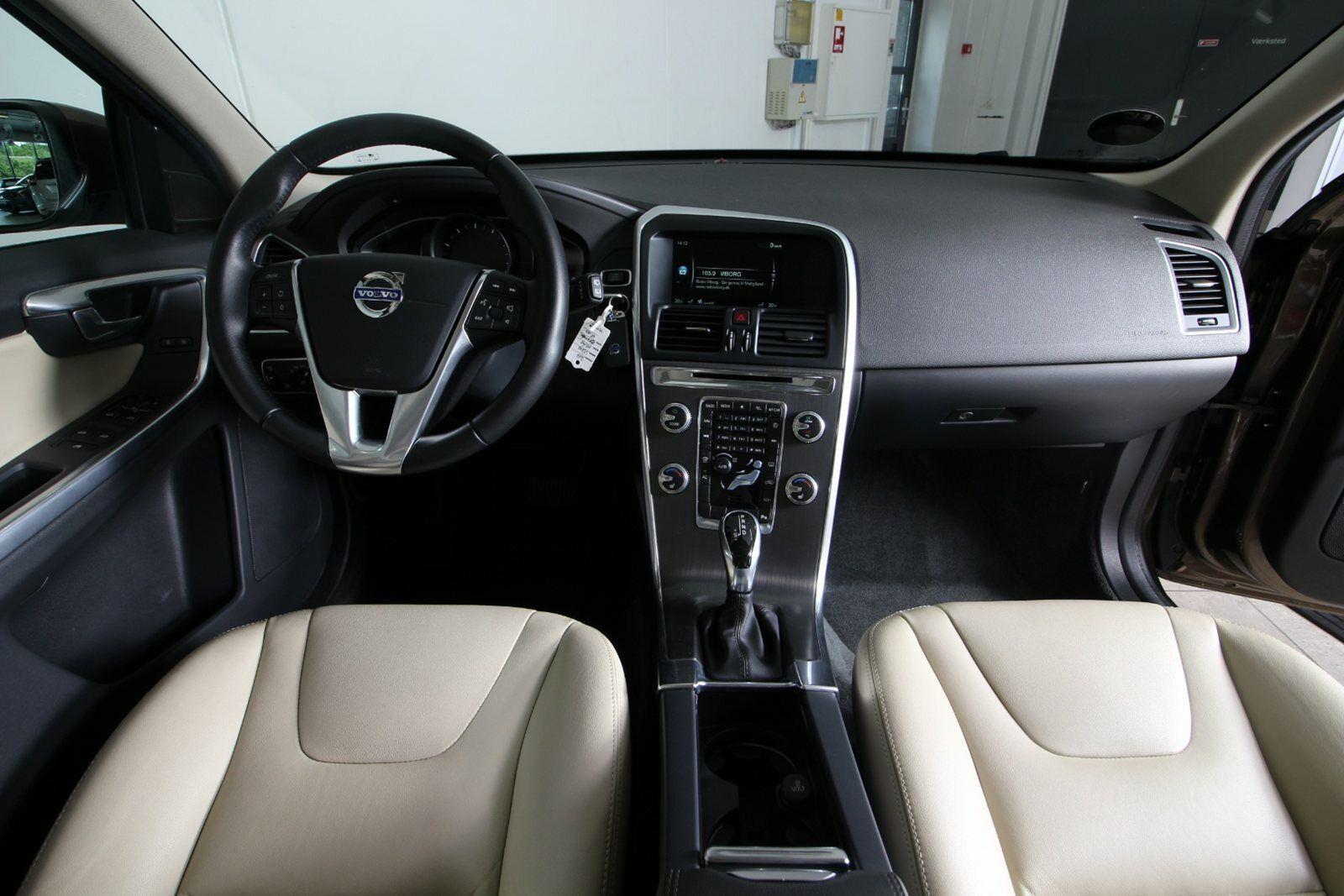 Volvo XC60 T5 245 Momentum aut.