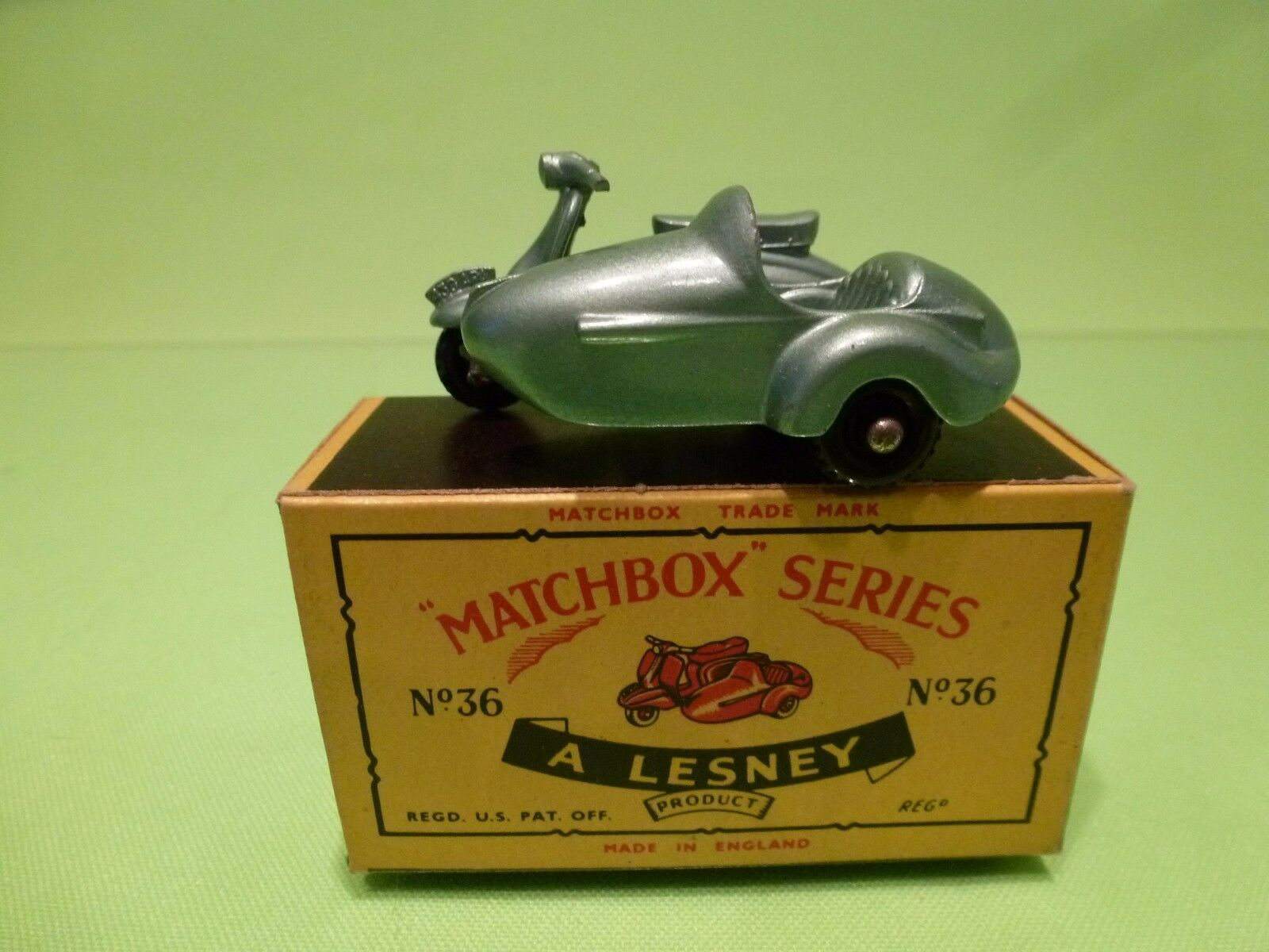 LESNEY 36 LAMBRETTA & SIDE CAR - METALLIC Azul - MINT IN BOX - HIGH QUALITY